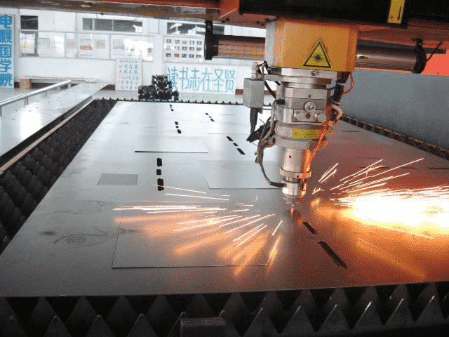 An In-depth Comparison of the Four Processing Methods: Laser Cutting, Water Cutting, Plasma Cutting, WEDM 1