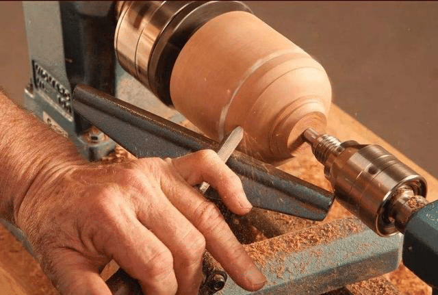 How to Do Lathe in Woodworking? 1